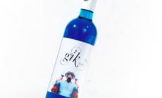 Se anche il vino diventa blu